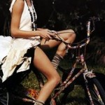 bike,chick,fixies,urban,vintage-446160c4da0b30c852a1b9337a7f4e45_m